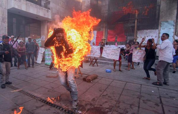 Mexico: Man in Chiapas self immolates in protest of imprisoned comrade.