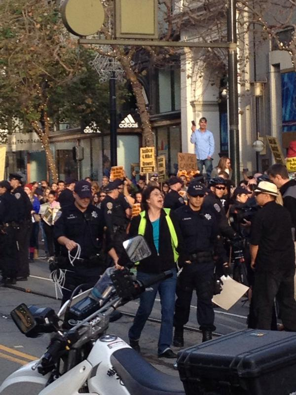 SF shuts down Market street. Protesters getting arrested for unlawful assembly