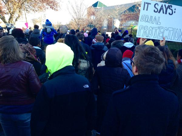 Hundreds march in Amityville LI to demand JusticeforEricGarner