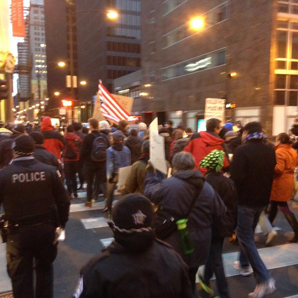 Protestors start marching south on State, Chicago