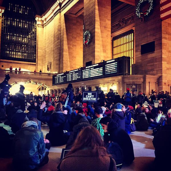 14 minutes of silence for EricGarner at Grand Central Terminal NYC