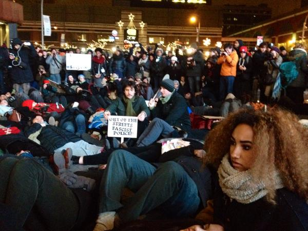 Die in happening now in Brooklyn NYC outside Barclays
