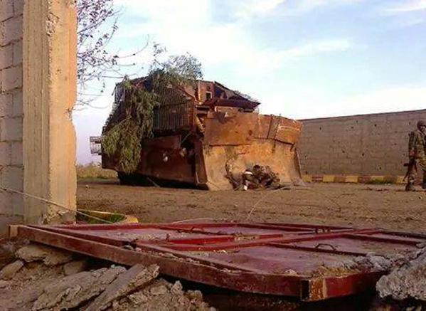 SAA inside Deir ez-Zor Airport, confirming reports they retook it. Syria