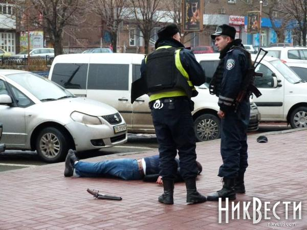 Shooting in the center of Mykolaiv: one killed, one wounded
