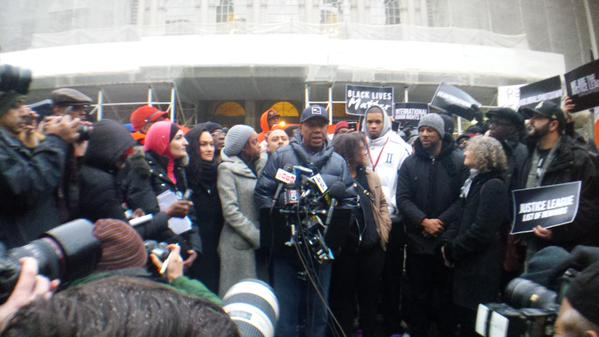 Standing here with EricGarner's son is one of the most powerful moments of my life, -@UncleRUSH.