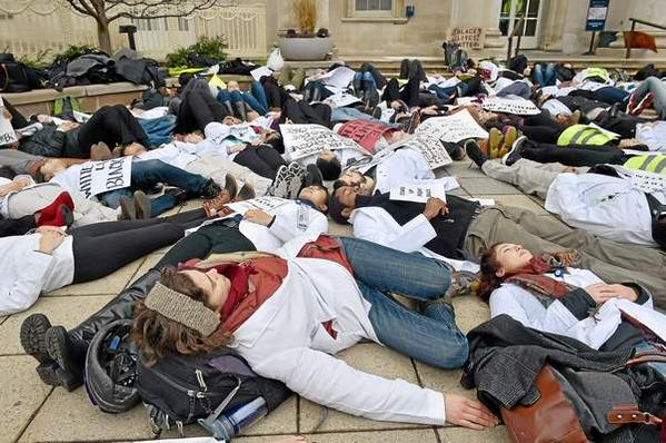 Students at Yale Medical School join whitecoats4blacklives
