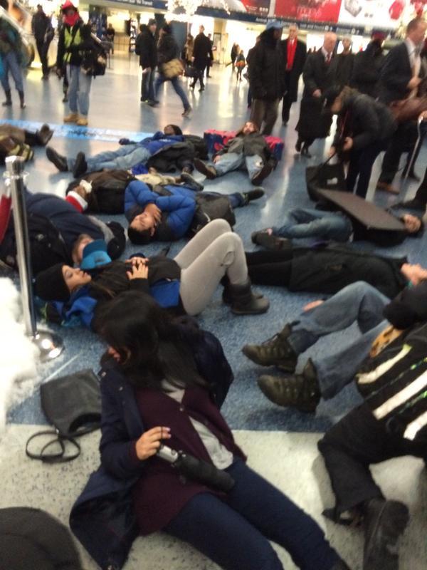 Beginning of 11 minute die-in at Penn Station NYC