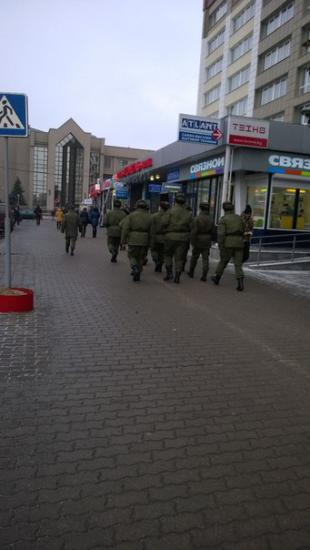 Green men appeared In Gomel. They said preparing for war