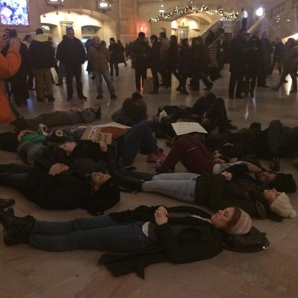 Die-in happening at Grand Central