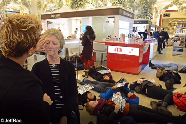 Hundreds die in at Saks 5th Ave department store