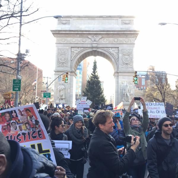 millionsmarchnyc begins up 5th Ave