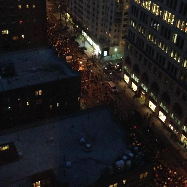 Outside the window now on Broadway sirens traffic gridlock MillionsMarchNYC