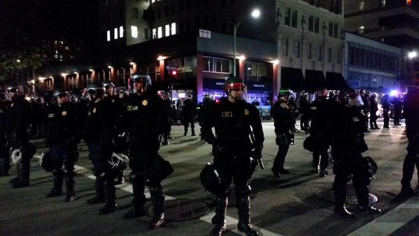 Franklin and 17th  - many kettled and arrested oaklandprotest oakland MillionsMarchOak