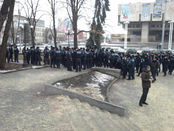 Police in Kharkiv at the separatists rally