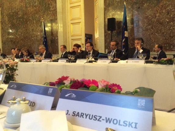 .@JSaryuszWolski: I proposed EPP Summit&EU to organize under EU flag BLUE CONVOYS of true humanitarian assistance to UA's IDPs & Donbas