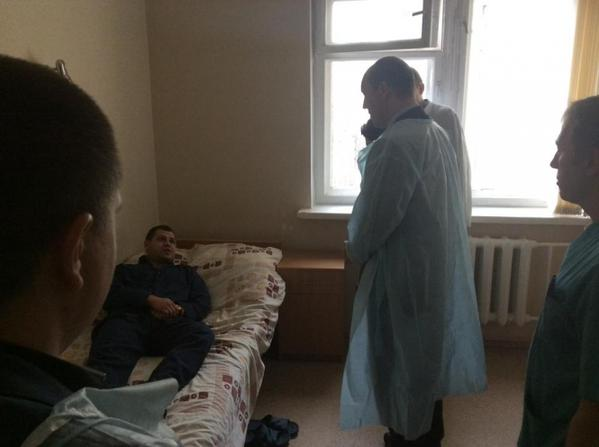 Parubiy visited in the hospital wounded policeman who rescued him from the grenade