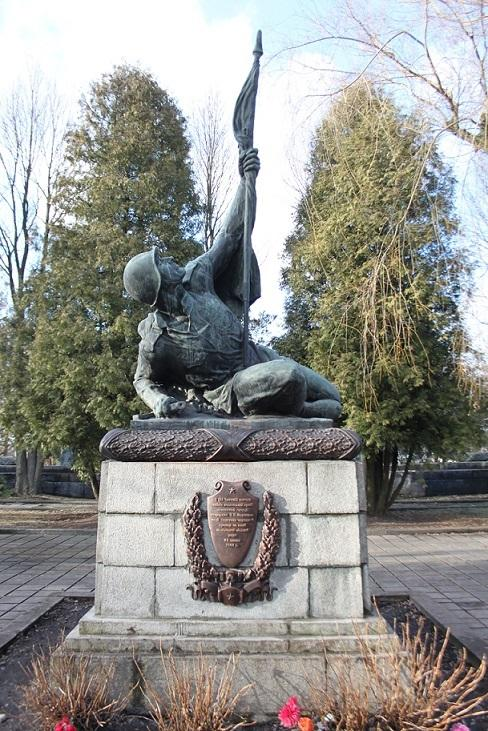 Two monuments to Soviet soldiers were resumed in Lviv