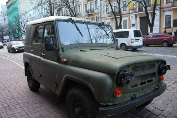 Volunteers donated a military vehicle for counterintelligence SBU
