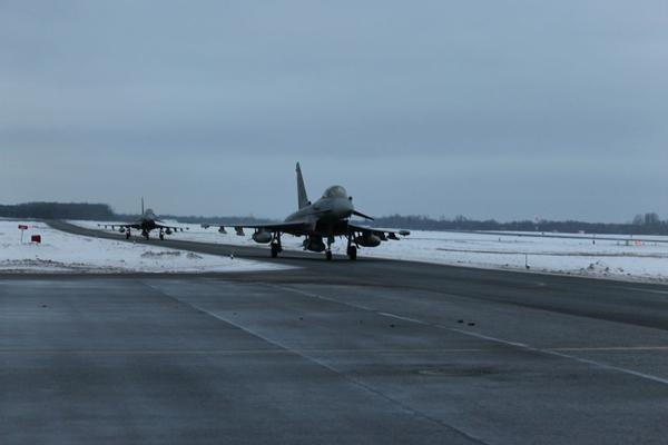 4 Spanish Eurofighters landed at the airbase of Ämari Estonia, to join the NATO air defense mission
