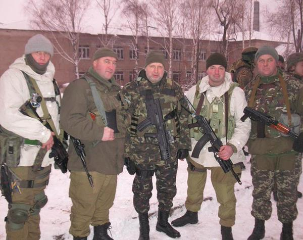 Head of @NSDC_ua @Turchynov directly at the front in Pisky today