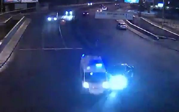 The car rammed an ambulance in Kiev