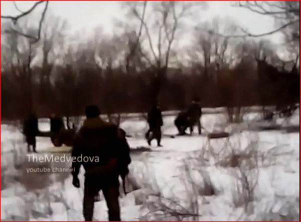 VIDEO Russia forces firing mortars at Ukraine troops (in Pisky) near Donetsk Airport