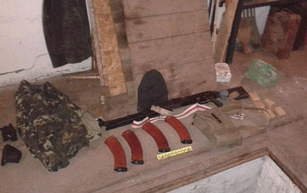 Police confiscated separatist's automatic rifle in Luhansk region Donbass