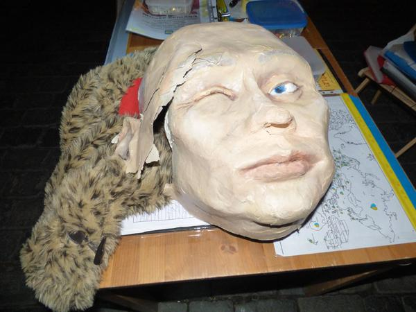 Russian citizen smashed Putin mask in a fit of anger at Prague
