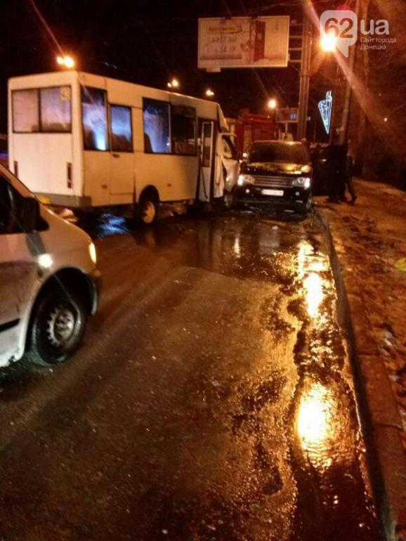 The jeep with militants slammed into a route minibus in Donetsk. There are seriously injured.