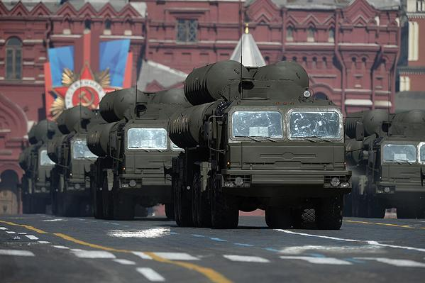 The Russian army is waiting for new tanks, planes and rockets in the new year