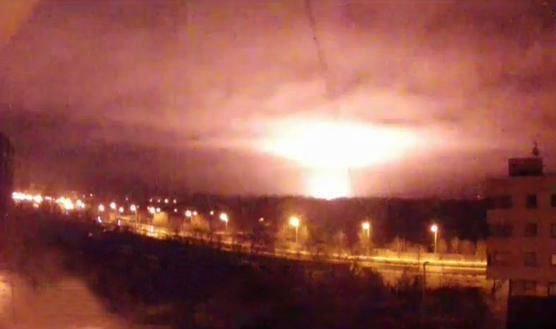 In Donetsk airport is a fierce battle. Heavy explosions