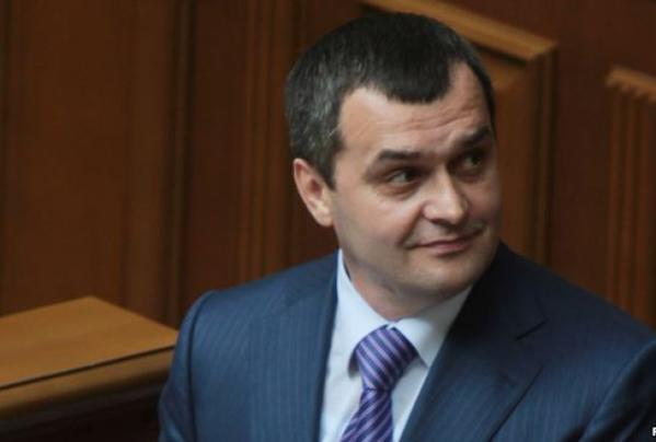 Zakharchenko received a Russian passport. But Ukrainian citizenship is needed him for business