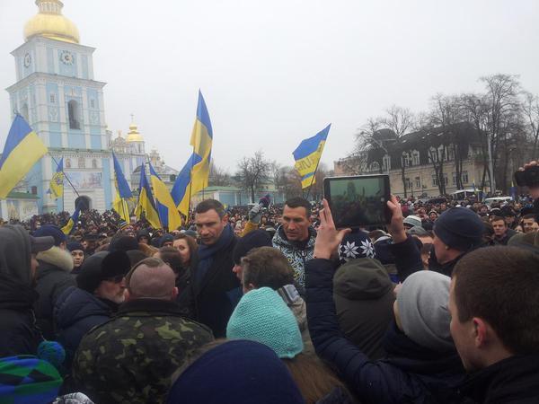 Klitschko brothers At Mykhailivska Square