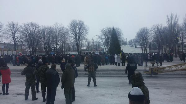 Vigil in Volnovaha for the killed Ukrainians in the bus on the post