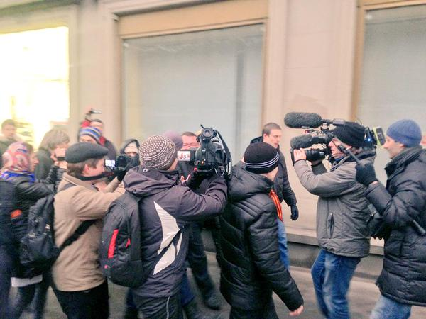 Moscow police have not allowed to lay flowers to the Embassy of Ukraine