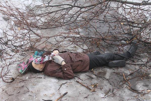 Shell hit bus stop in Donetsk