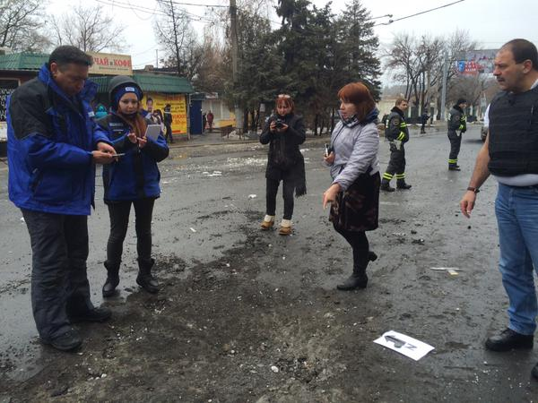 .@OSCE at scene of Donetsk bus stop scene. Their calculation seems to indicate shell came from NW direction