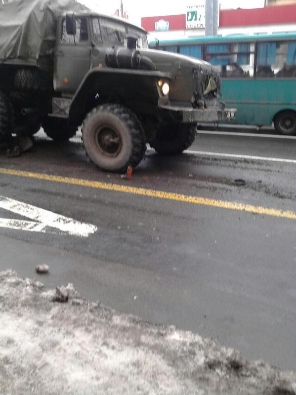 Donetsk. Militants vehicles crashing into the bus