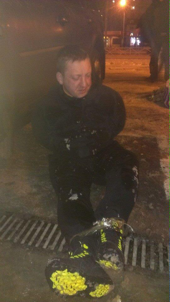 Kharkiv. Unknown attacked the volunteers, he was tied and waiting for the police and journalists