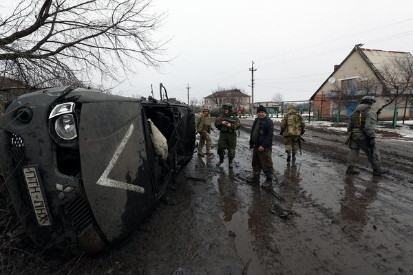 MP Yarosh vehicle near Donetsk airport