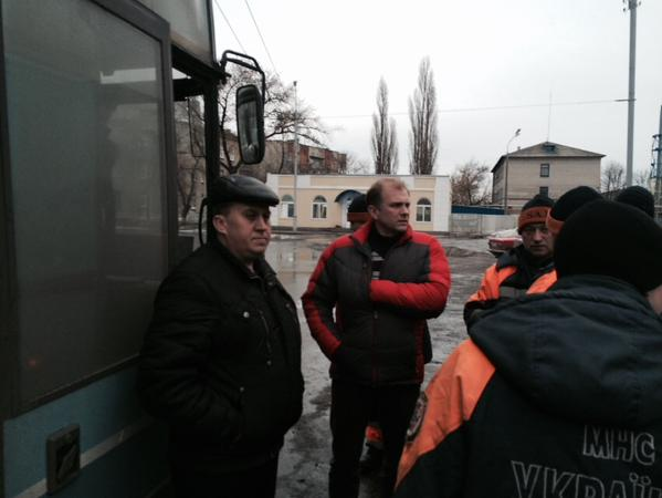 Buses with refugees come from Debaltseve in Slavyansk