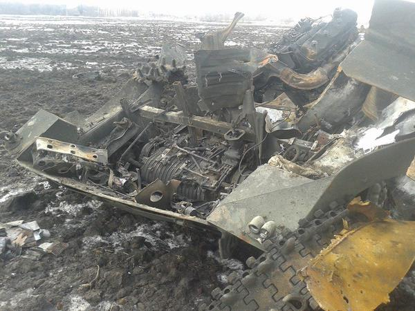 Destroyed vehicles near Debaltseve