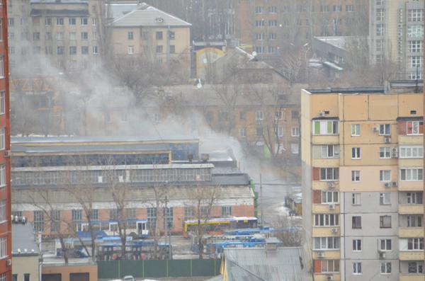 Donetsk. Shells hit trolleybus depot