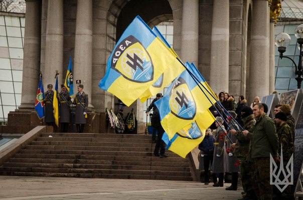 A farewell ceremony with the fallen hero of the regiment Azov has held on Independence square
