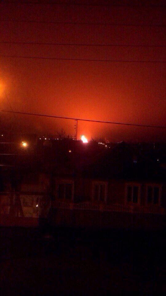 Large fire between Donetsk and Makiivka