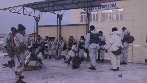 Russian soldiers at Kruchkova railway station near Debaltseve