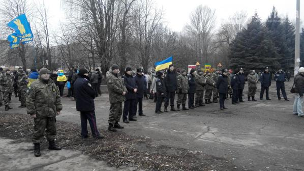 The police became a cordon between opponents of  mobilization and Ukrainian activists