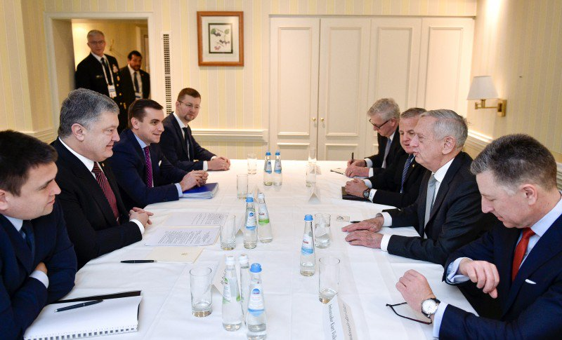 Poroshenko has discussed Russia and Donbass with the head of the US Defense Department